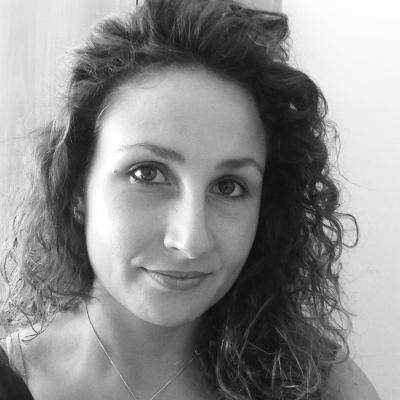 http://ancora.valeriamancinelli.it/wp-content/uploads/2018/05/Sonja-De-Stefani-400x400.png